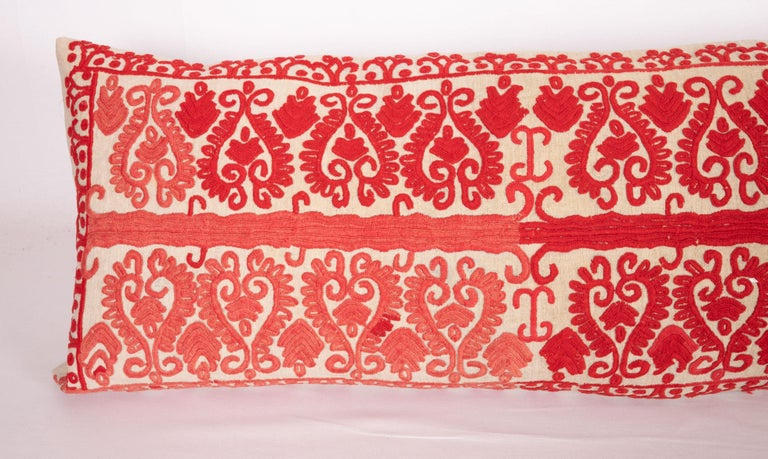 Vintage Hungarian Written Embroidery Body Pillow, 1970s In Good Condition For Sale In Istanbul, TR