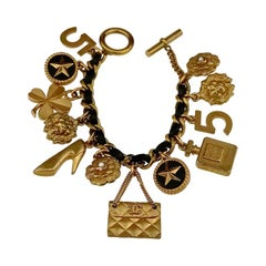 Vintage Iconic CHANEL Lucky Charm Leather Chain Bracelet