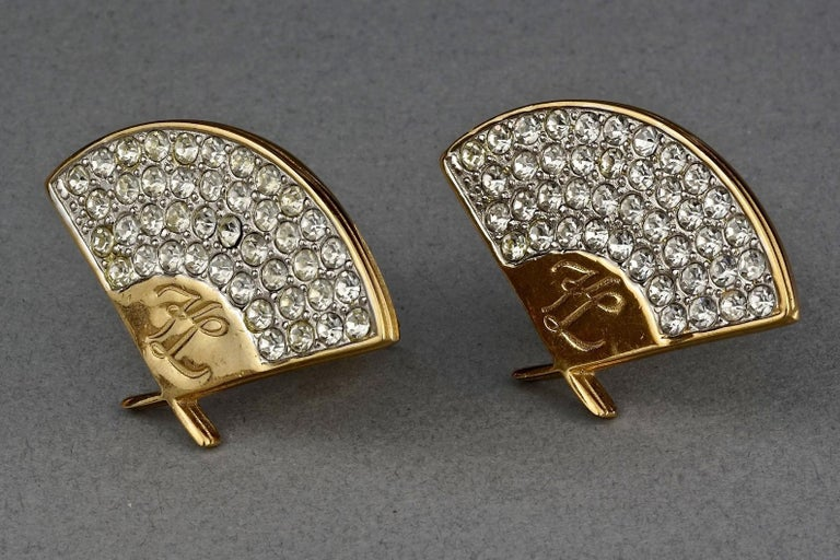 Vintage Iconic KARL LAGERFELD Logo Fan Rhinestone Earrings In Excellent Condition For Sale In Kingersheim, Alsace
