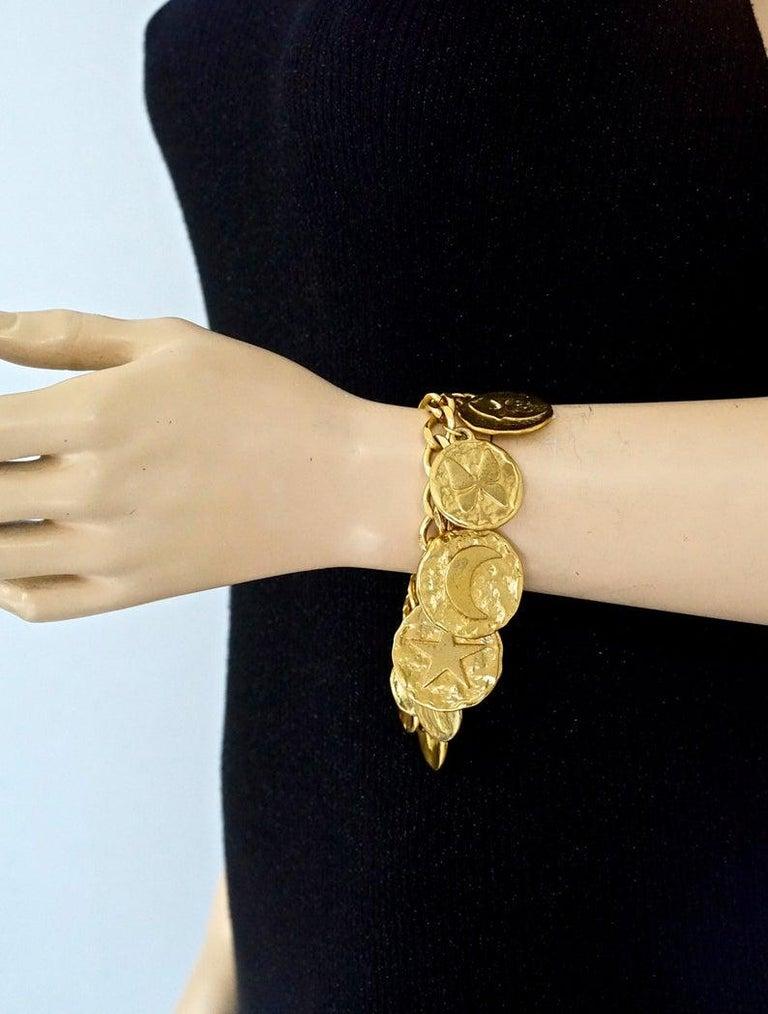 Vintage Iconic YVES SAINT LAURENT Ysl Emblem Medallion Charm Bracelet For Sale 2