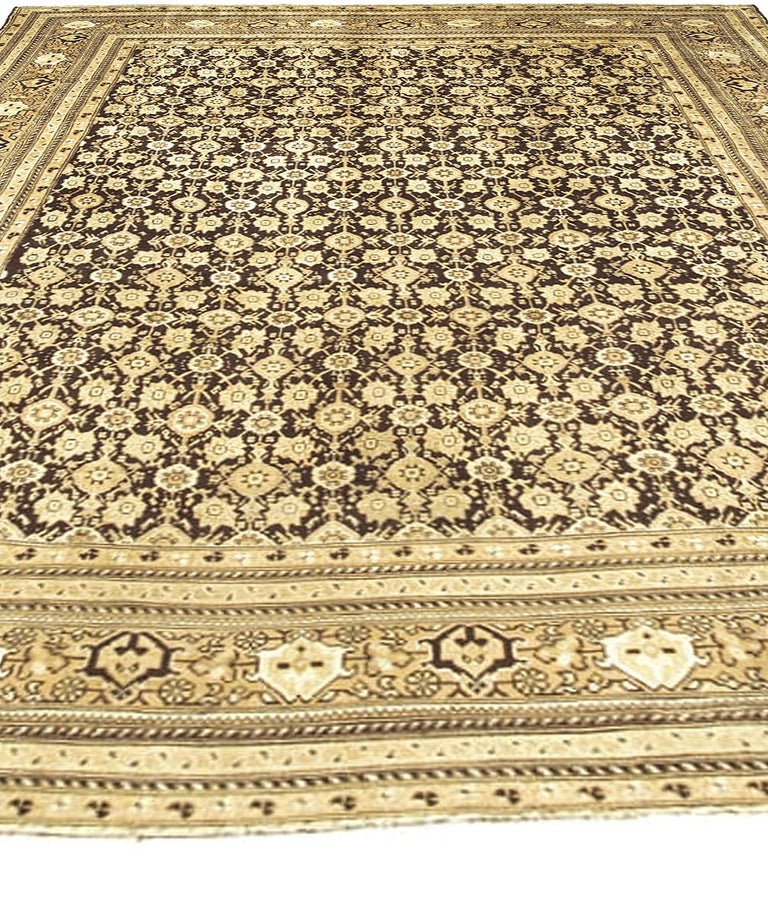 Vintage Indian Agra Rug In Good Condition For Sale In New York, NY