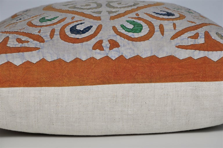 Vintage Indian Blue and Green Patchwork Pillow with Irish Linen Cushion For Sale 1