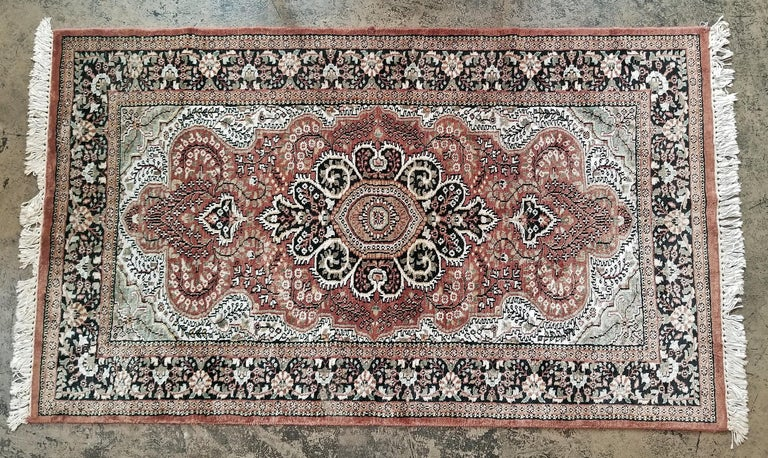 Vintage Indian Kashmir Silk Floor Rug In Good Condition For Sale In Dallas, TX