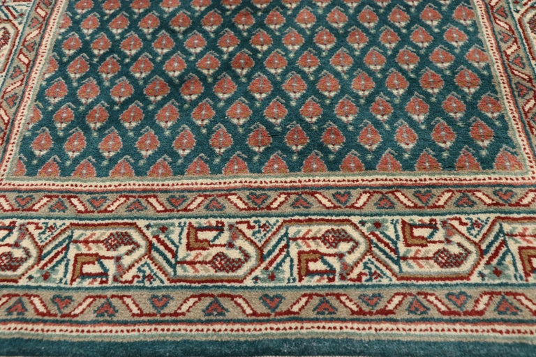 Vintage Indian Runner with Old World Victorian Style In Good Condition For Sale In Dallas, TX