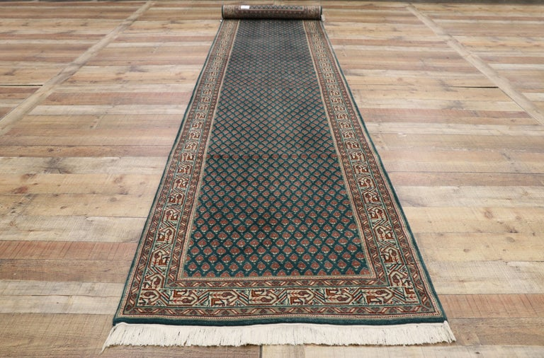 Vintage Indian Runner with Old World Victorian Style For Sale 1
