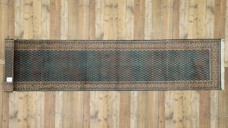 Vintage Indian Runner with Old World Victorian Style For Sale 2