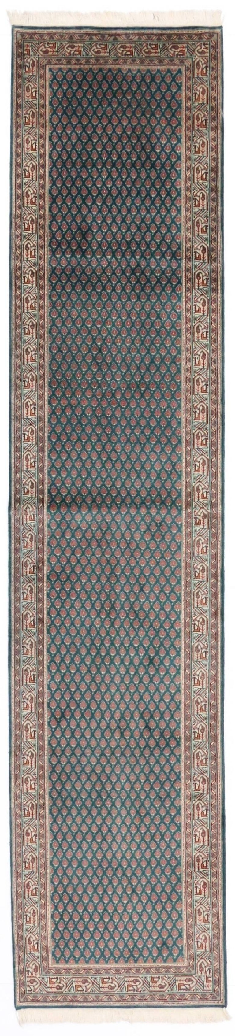 Vintage Indian Runner with Old World Victorian Style For Sale 3