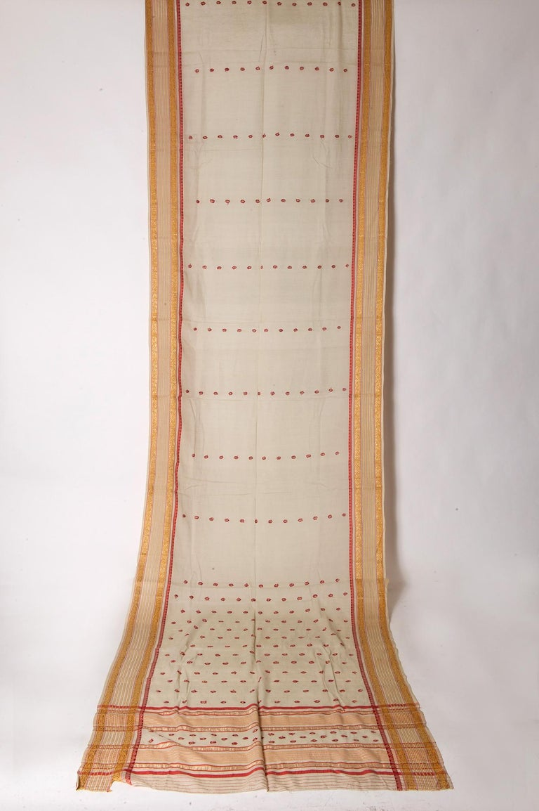 Very simple minute drawing and light colors for this vintage Indian Sari: elegant. Golden yellow border with red intersected lines. New idea for unusual curtains or ..an evening dress. Price is very low, therefore (if possible) I advice You to order