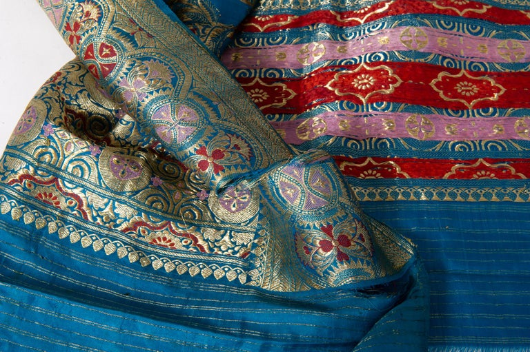 Vintage Indian Sari Turquoise with Rich Floral Drawing, for Curtain Also In Fair Condition For Sale In Alessandria, Piemonte
