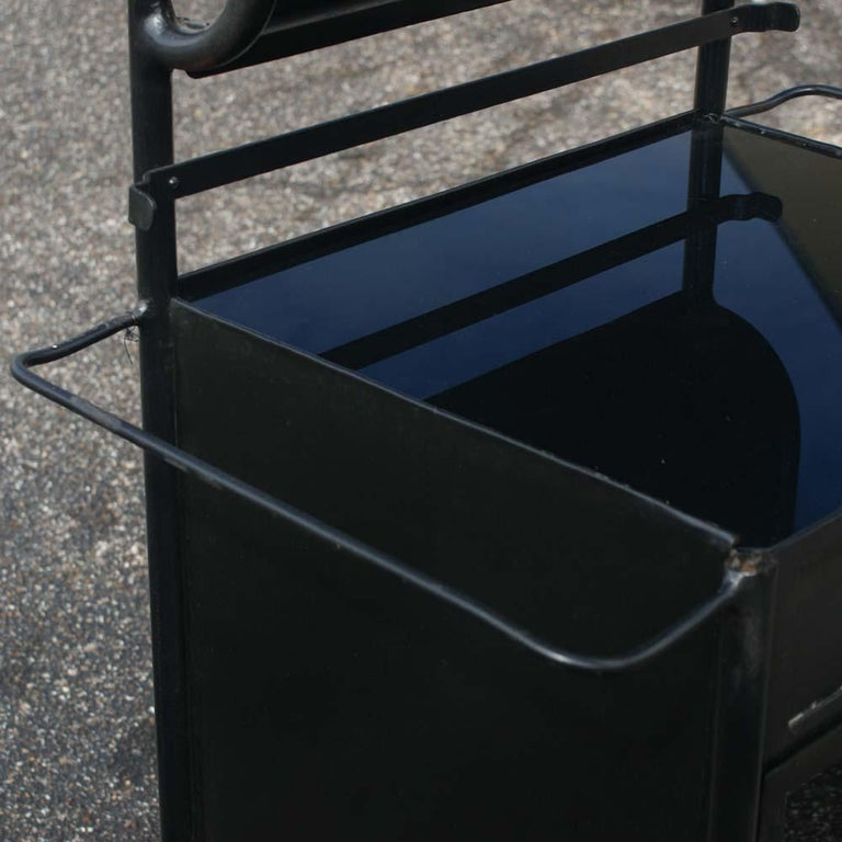Mid-20th Century Vintage Industrial Black Steel Washstand  For Sale