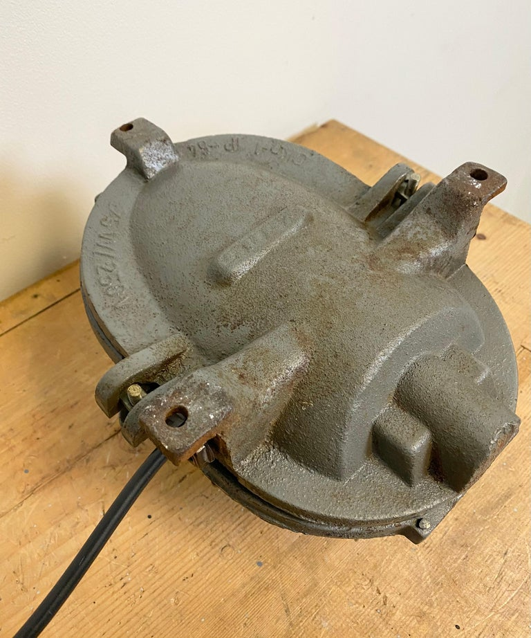 Vintage Industrial Cast Iron Wall Light, 1960s For Sale 5