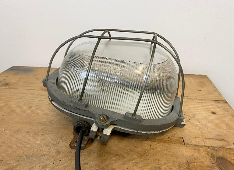 Vintage Industrial Cast Iron Wall Light, 1960s For Sale 6