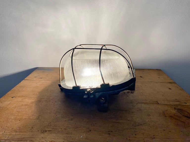 Vintage Industrial Cast Iron Wall Light, 1960s For Sale 2