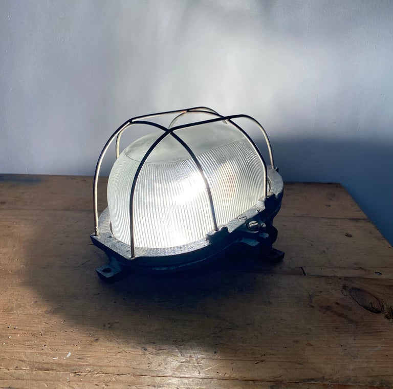 Vintage Industrial Cast Iron Wall Light, 1960s For Sale 3