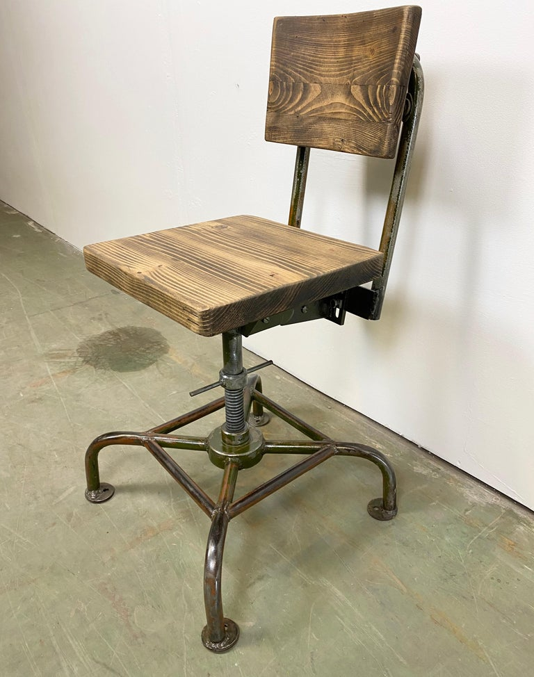 Vintage Industrial Chair, 1950s In Good Condition For Sale In Mratin, CZ