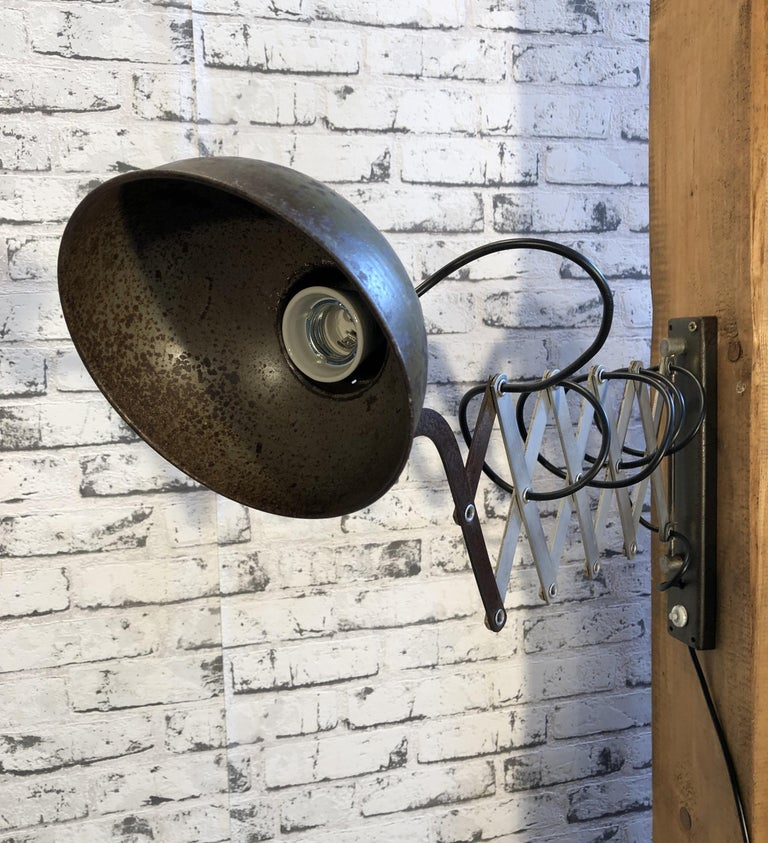 Iron Vintage Industrial Green Scissor Wall Lamp, 1960s For Sale