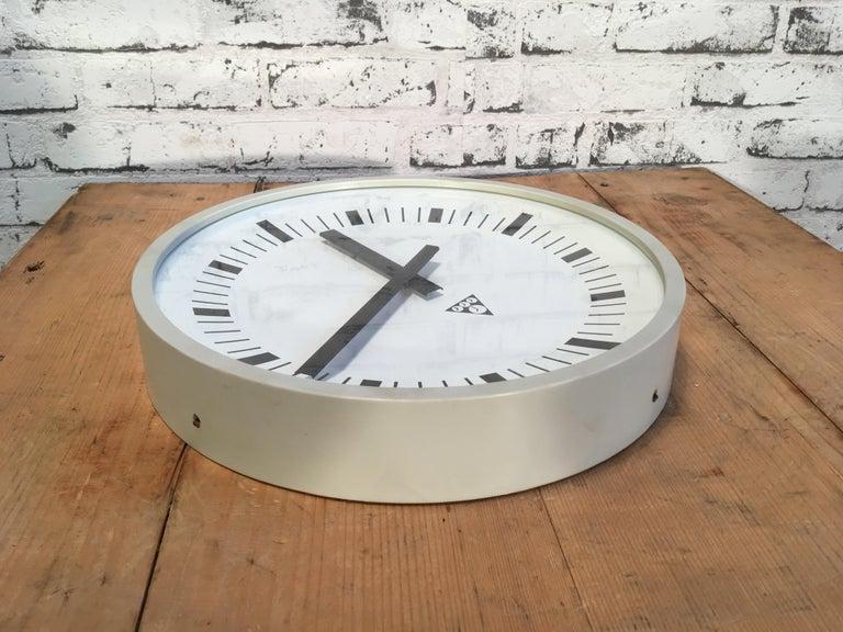 Czech Vintage Industrial Grey Bakelite Wall Clock from Pragotron, 1970s For Sale