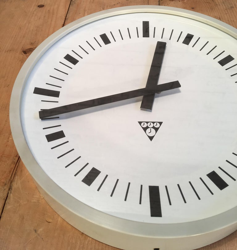 Late 20th Century Vintage Industrial Grey Bakelite Wall Clock from Pragotron, 1970s For Sale