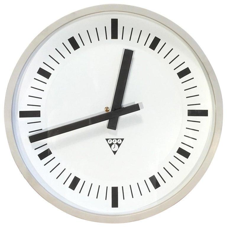 Vintage Industrial Grey Bakelite Wall Clock from Pragotron, 1970s For Sale