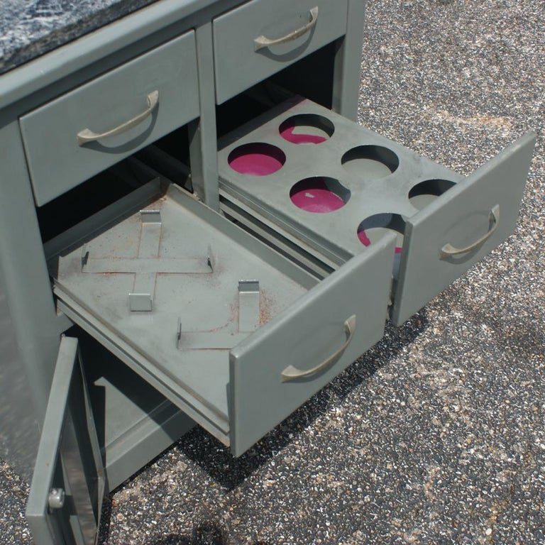 Vintage Industrial Metal Marble Cabinet In Good Condition For Sale In Pasadena, TX