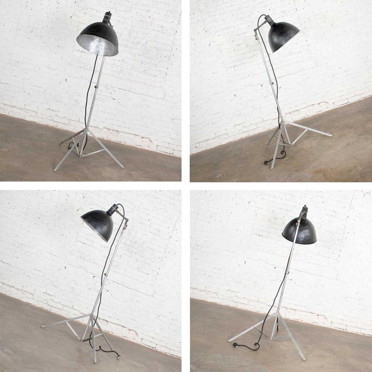 Vintage Industrial Pair of Photographers Floor Lights Tripod Base For Sale 2