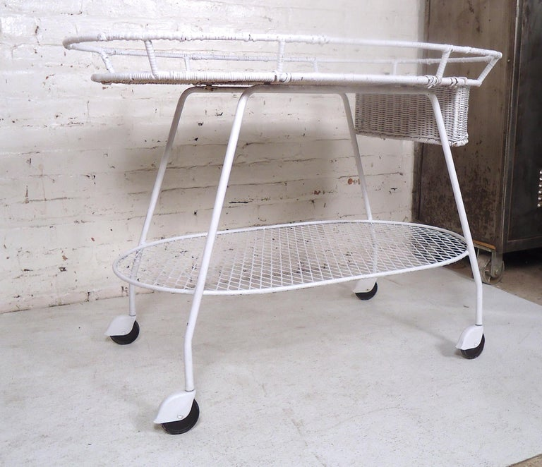 Vintage Industrial Wicker Tea Cart In Good Condition For Sale In Brooklyn, NY