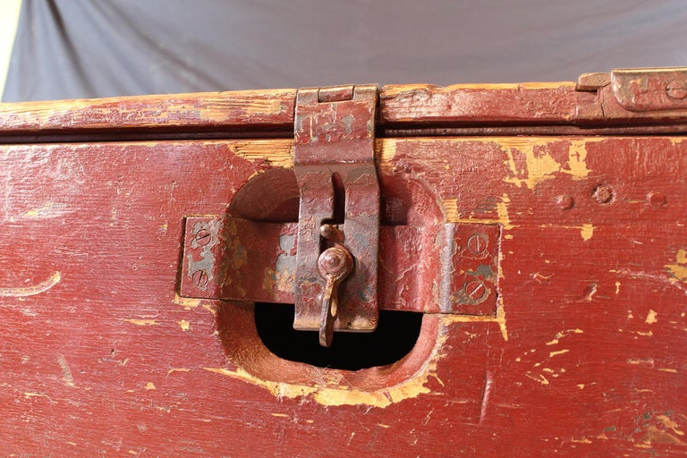 Vintage Industrial Wooden Toy Trunk Coffee Table on Castors For Sale 13