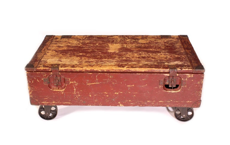American Vintage Industrial Wooden Toy Trunk Coffee Table on Castors For Sale