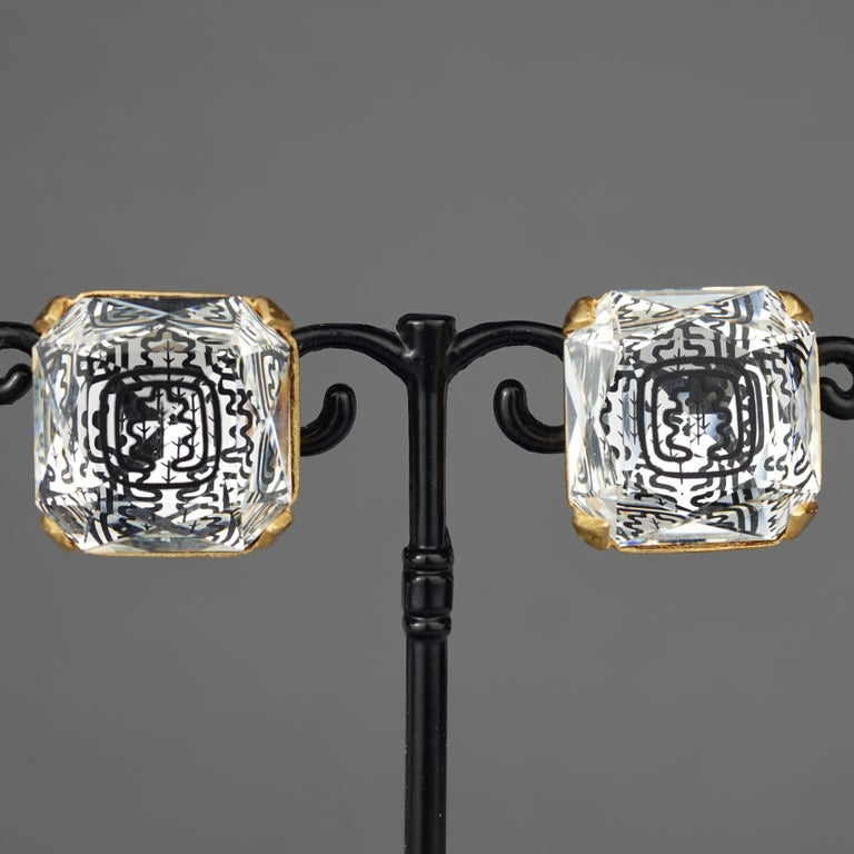 Vintage INES de la FRESSANGE Iconic Oak Leaf Crystal Earrings In Excellent Condition For Sale In Kingersheim, Alsace