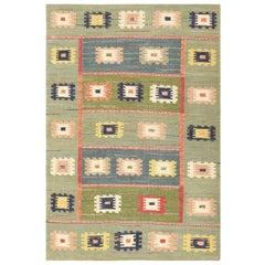 Vintage Inspired Swedish Scandinavian Kilim Rug. Size: 4 ft 4 in x 6 ft 3 in