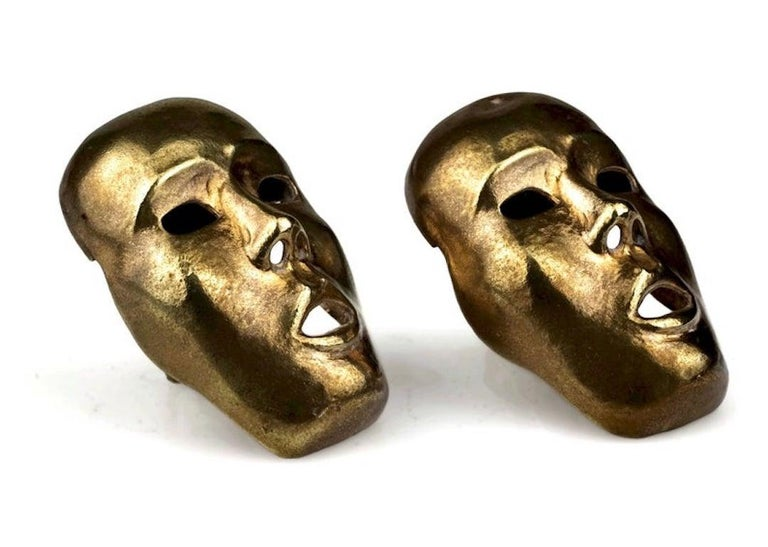 Vintage ISABEL CANOVAS Important Giant Mask Earrings In Fair Condition For Sale In Kingersheim, Alsace