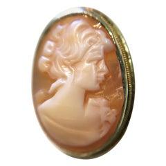 Vintage Italian 14 Karat Small Shell Cameo Brooch