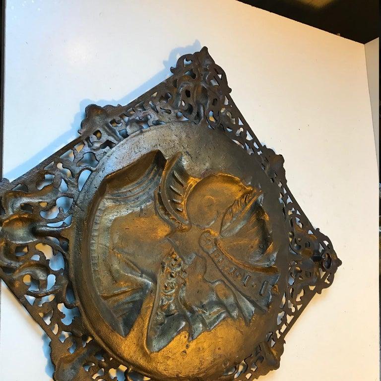 Vintage Italian Bronze Wall Sculpture of Roman Warrior, 1970s For Sale 1