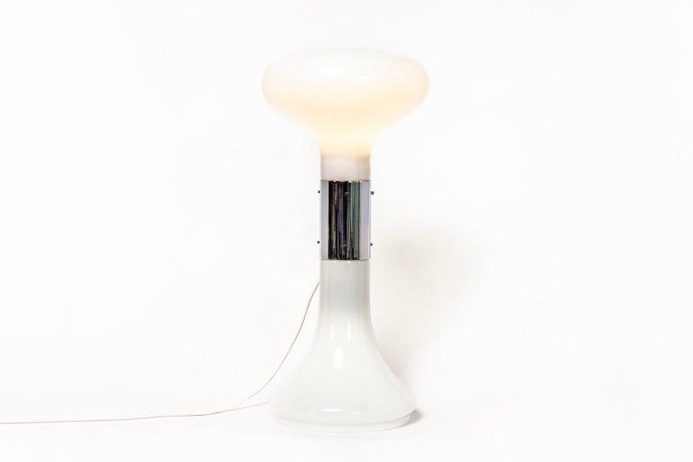 Mid-Century Modern Vintage Italian Carlo Nason I Numerati Soffiato White Murano Glass Table Lamp For Sale
