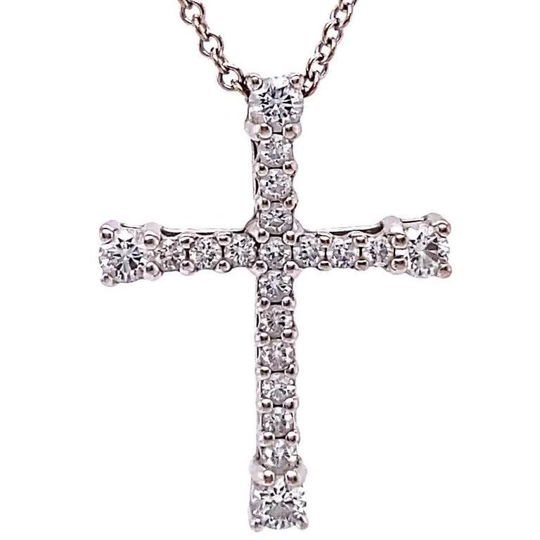Round Cut Vintage Italian Diamond 18 Karat White Gold Cross Necklace For Sale
