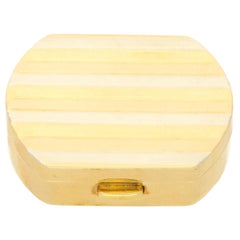 Vintage Italian Pill Box in 18 Karat Tricolor Gold, circa 1990