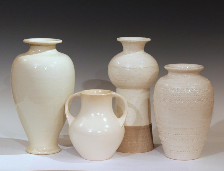 20th Century Vintage Italian Pottery Raymor TUD Incised Bitossi Gray White Ceramic Vase