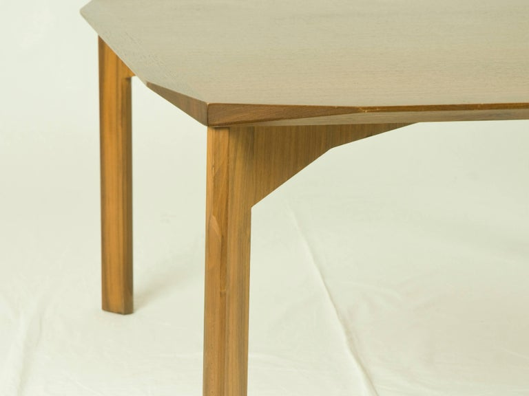 Vintage Italian Square Teak 1960s Coffee Table In Excellent Condition For Sale In Varese, Lombardia