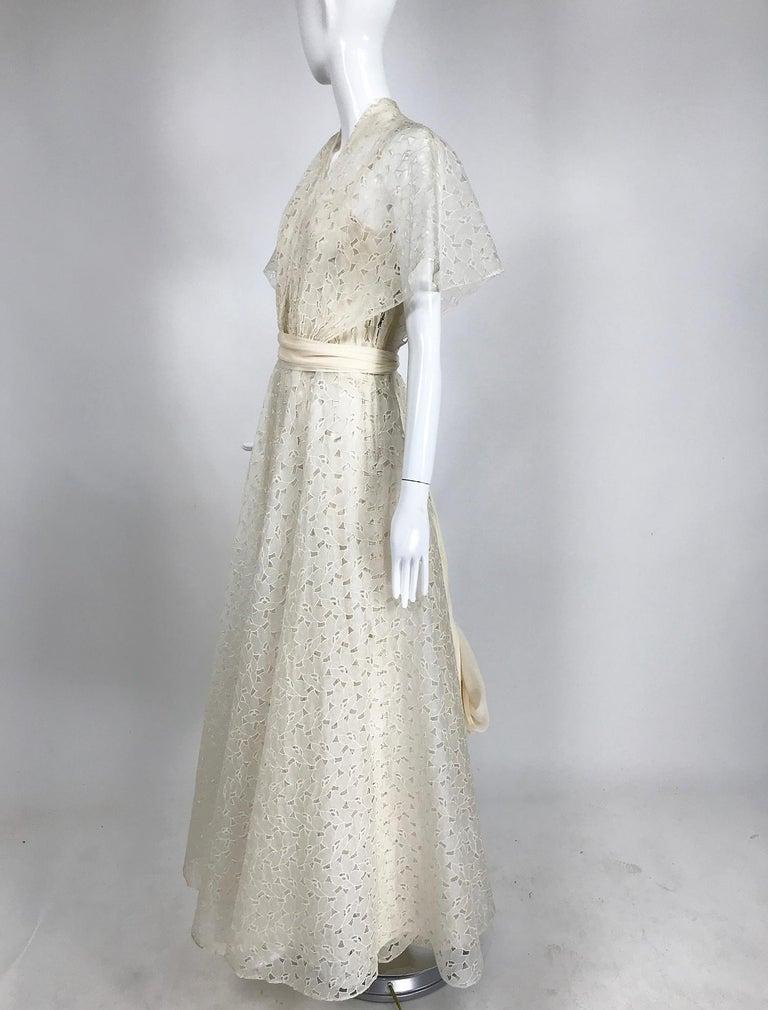 Vintage Ivory Organza Cut Work Summer Evening Party Dress 1940s 10-12 In Good Condition For Sale In West Palm Beach, FL