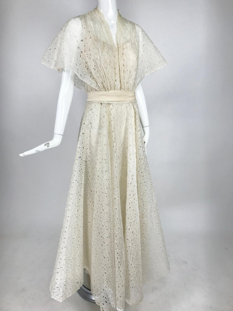 Vintage Ivory Organza Cut Work Summer Evening Party Dress 1940s 10-12 For Sale 3