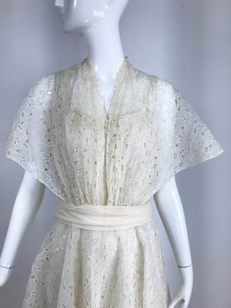 Vintage Ivory Organza Cut Work Summer Evening Party Dress 1940s 10-12 For Sale 5