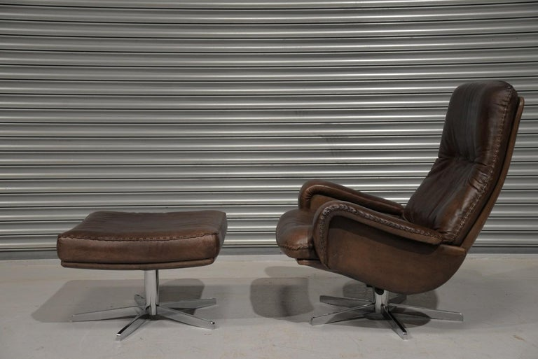 Discounted airfreight for our US and International customers (from 2 weeks door to door)  We are delighted to bring to you an ultra rare and highly desirable retro De Sede S 231 swivel lounge armchair and ottoman. Hand built in the late 1960s by De