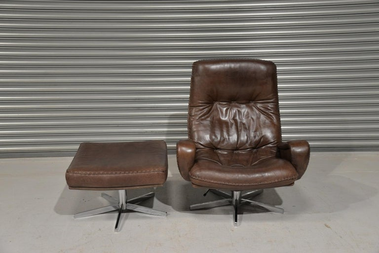 Mid-Century Modern Vintage James Bond De Sede S231 Swivel Armchair and Ottoman, Switzerland 1960s
