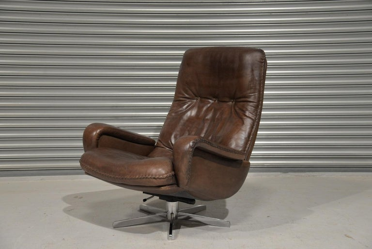Mid-20th Century Vintage James Bond De Sede S231 Swivel Armchair and Ottoman, Switzerland 1960s