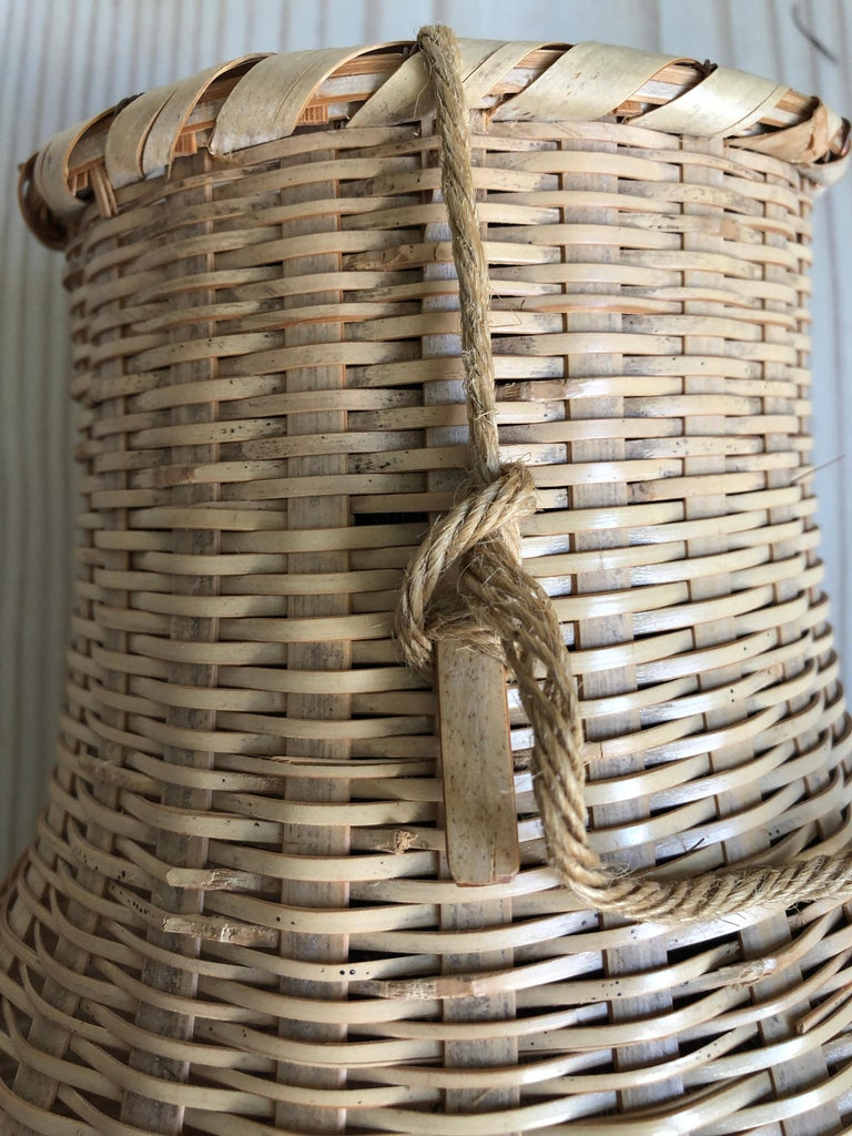 Vintage Japanese 1990s Bamboo Fishing Basket from Kyushuu Island For Sale 6