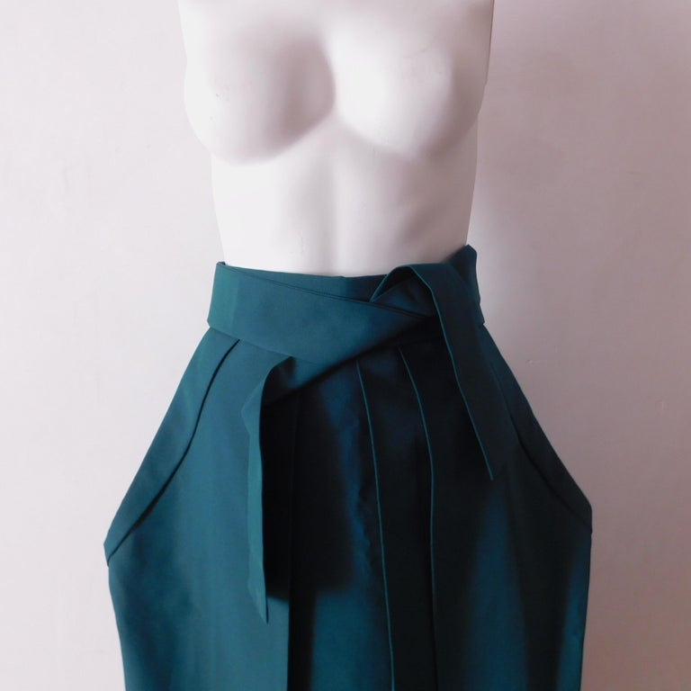 Vintage Japanese Green Hakama Skirt In Good Condition For Sale In Antwerp, BE