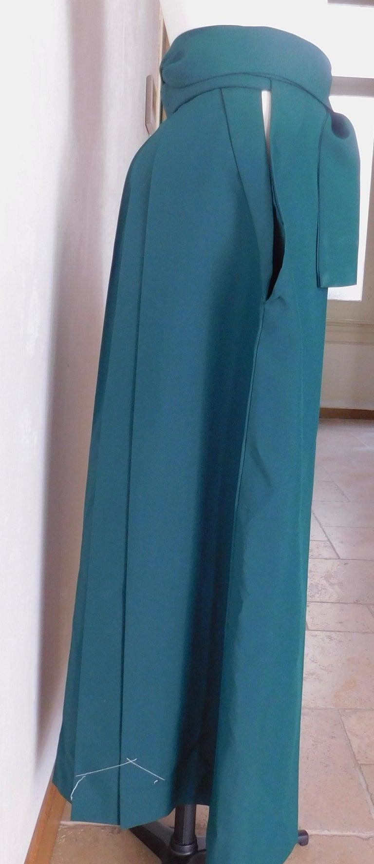 Women's or Men's Vintage Japanese Green Hakama Skirt For Sale