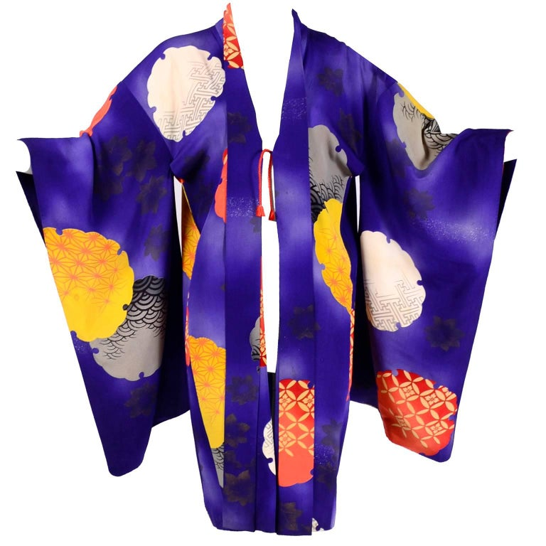Japanese Vintage Purple Silk Haori Kimono Jacket with Orange / Yellow Mon Crests