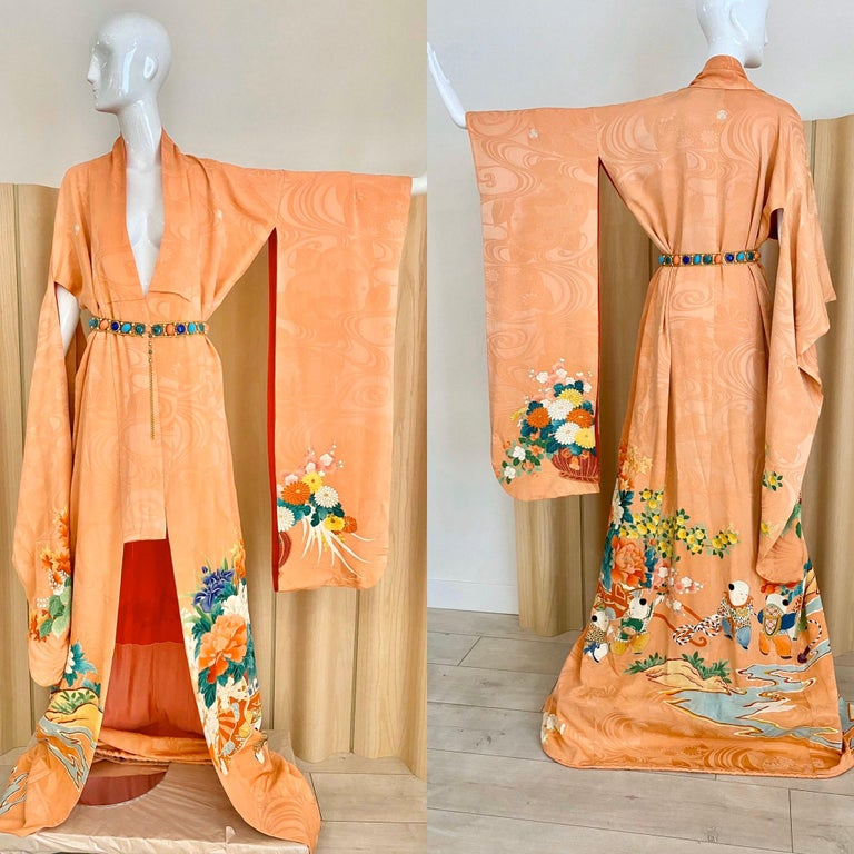 Vintage Japanese Silk Kimono  For Sale 3