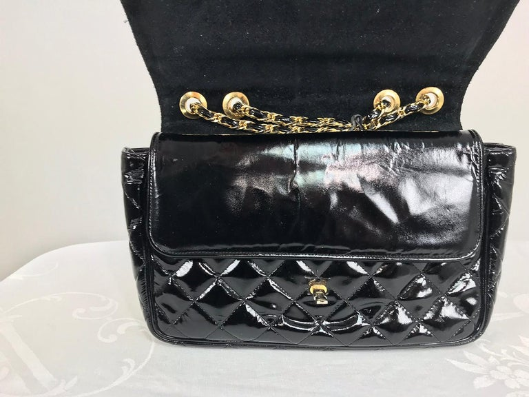 Women's Vintage Jay Herbert quilted flap black patent leather chain handbag  1960s For Sale